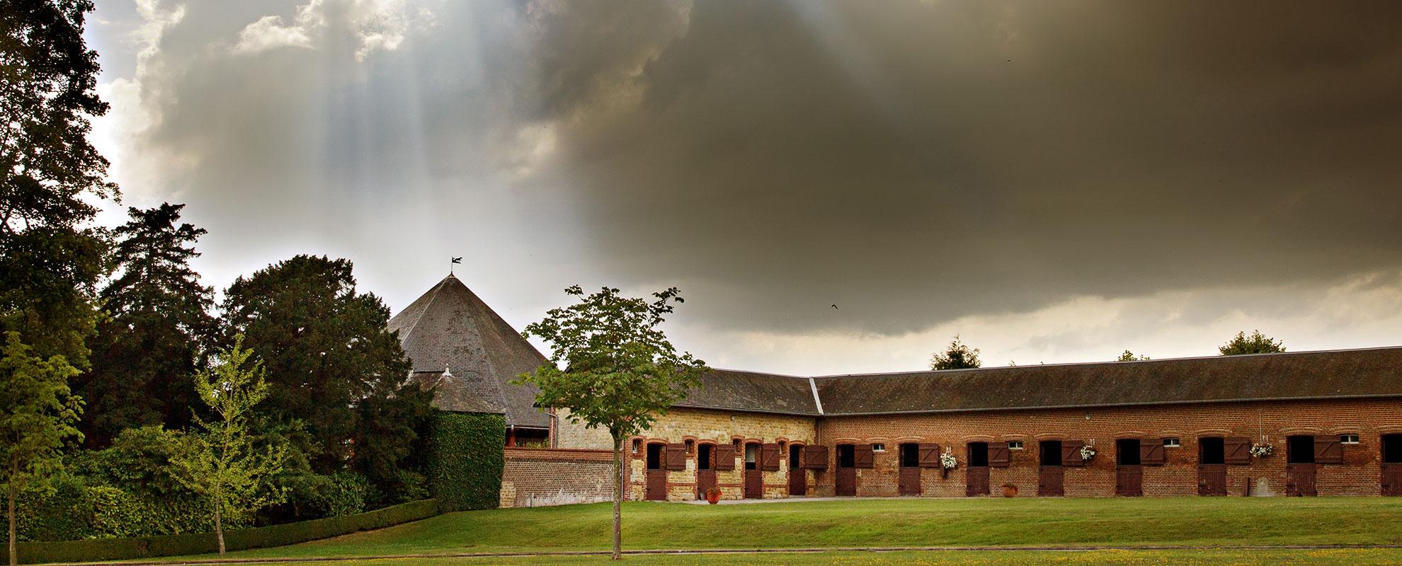 stables-farm